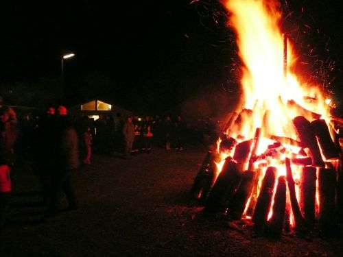 2012-04-08 Osterfeuer1